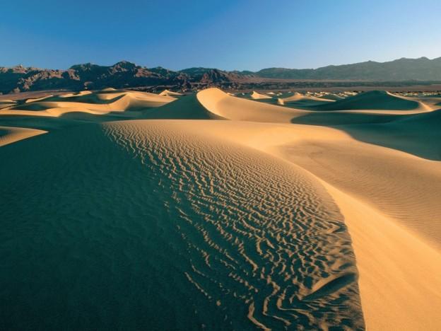 mesquite_flat_sand_dunes_death_valley_california____us